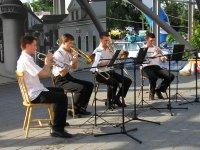 Weiner fúvós-quintett a Város háza előtti színpadon