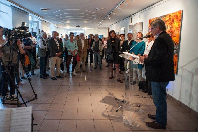 Kiállítás megnyitó a Karinthy Szalonban, 2015-ben
