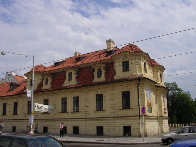 Portremka palota