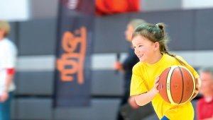 Iskolás gyermekek sportolási lehetőségei Újbudán
