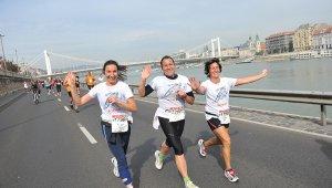 Futóverseny miatt lesz forgalomkorlátozás szombaton Budapesten